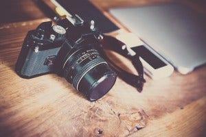 camera-supplies-on-desk