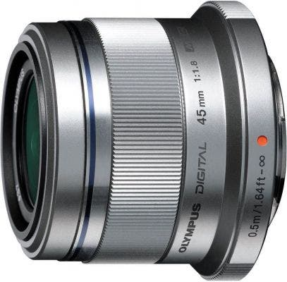 product-shot-of-olympus-micro-four-thirds-lens
