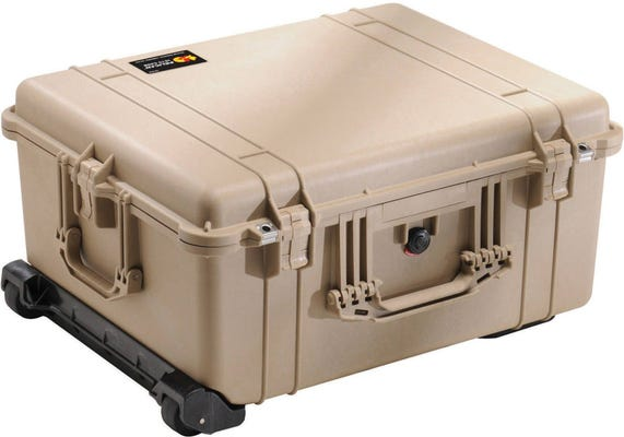 Pelican 1610 Desert Tan Case with Padded Dividers